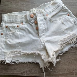 NWOT Free People Distressed Denim Shorts Sz 24